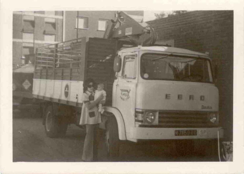 Foto antigua camión transportes Emilio de nuestra historia