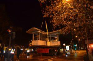 Instalación quiosco Atocha nocturna