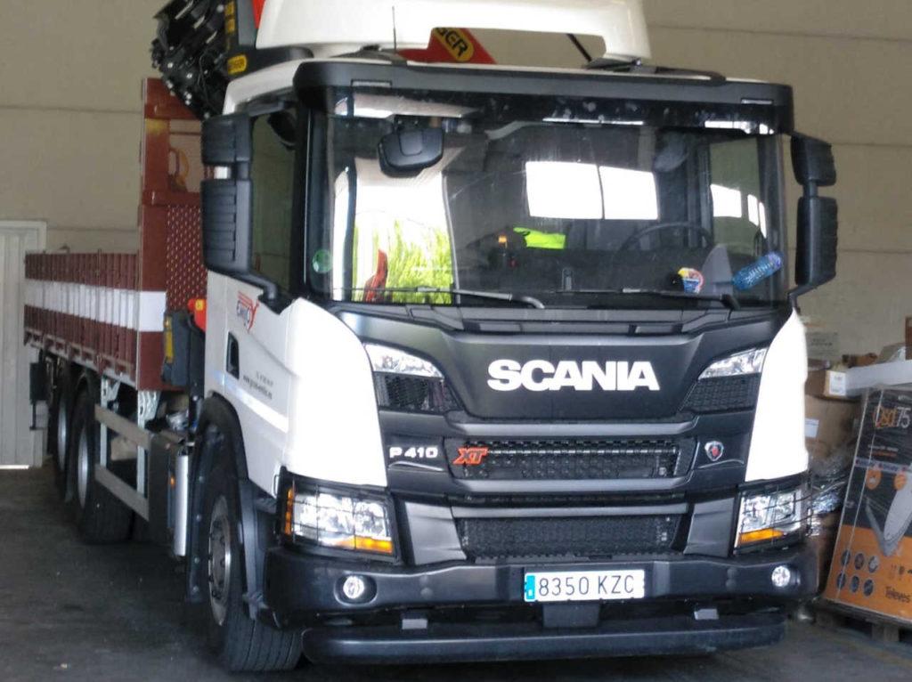 Camión grúa Scania frontal